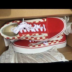 b8e62dfe21 Oldskool Vans Poshmark Vans Shoes Shoes r8P8Zwt
